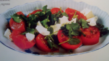 Азербайджанский салат из помидоров с брынзой
