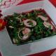 Азербайджанский салат из вишни, лука и зелени