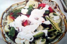 Азербайджанский салат из помидоров и болгарского перца