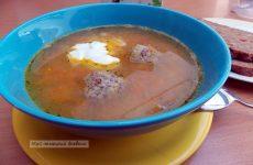 Суп с красной чечевицей и мясными тефтелями